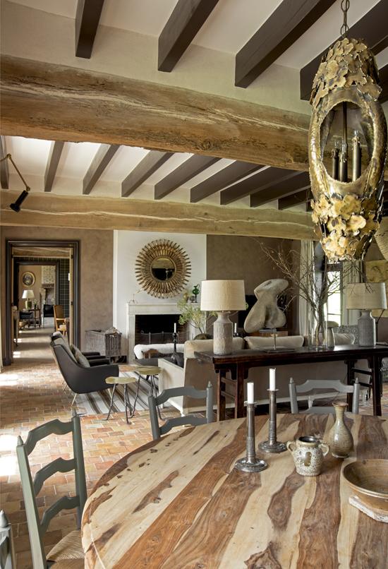 Великолепный дизайн старинного французского дома